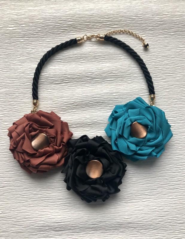 imusau.lt | parduodama Gėlių kaklo papuošalas